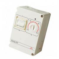 Терморегулятор электронный c защитой IP44 DEVIreg 610
